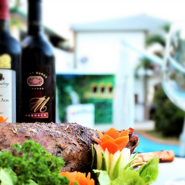Lalaguna Villasのレストラン、'Cafe Nemo' の料理、ご馳走はいかが?